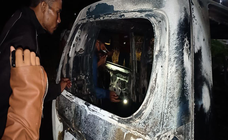 Mobil-terbakar2.jpg