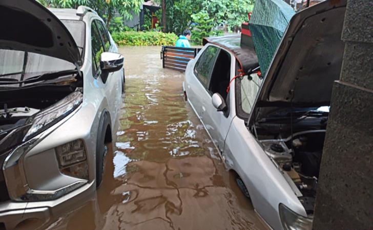 Mobil-terendam-air.jpg