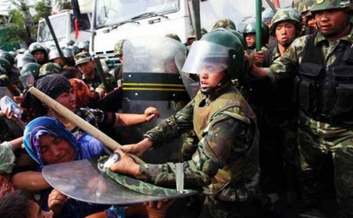 Muslim-Uyghur-di-China.jpg