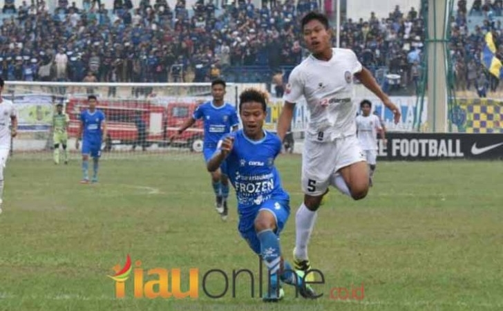 PSPS-Riau-vs-Persibat-Batang.jpg