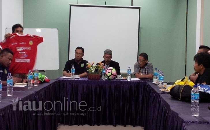 Panitia-Pelaksana-PSPS-Riau.jpg