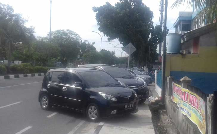 Parkir-Sembarangan-di-Kampus-Persada-Bunda.jpg