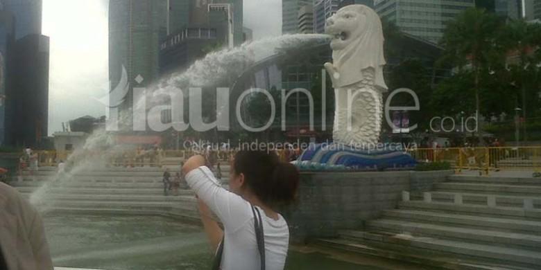 Patung-Air-Mancur-Singa-di-Singapura.jpg