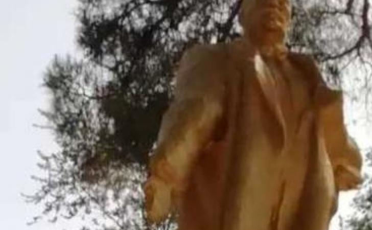 Patung-Lenin.jpg