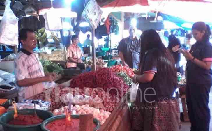 Pedagang-Cabai-Pasar-Cik-Puan.jpg
