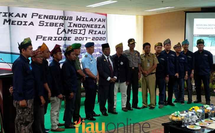 Pelantikan-Pengurus-AMSI-Riau.jpg