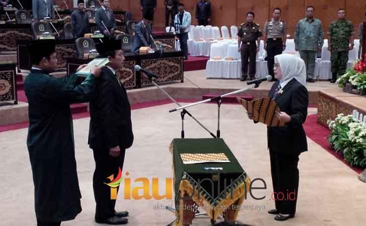Pelantikan-Solihin-Dahlan-sebagai-Anggota-DPRD-Riau.jpg