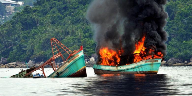 Peledakan-Kapal-Ikan-Ilegal.jpg