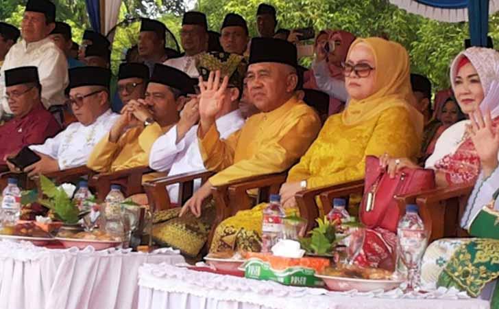 Pelepasan-Pawai-Taaruf-MTQ-Ke-36-Riau.jpg