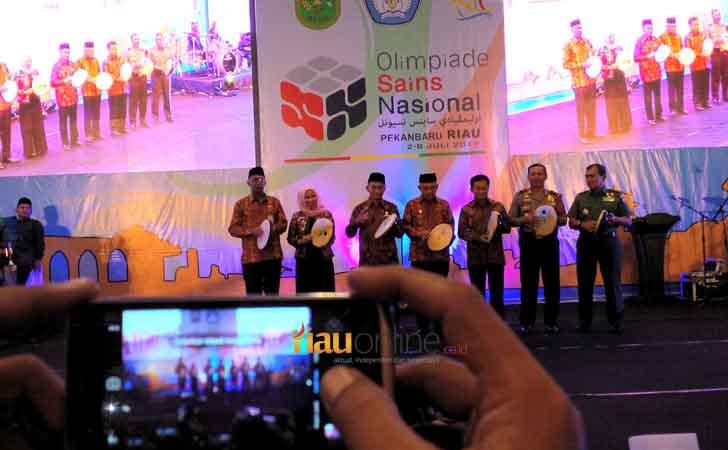 Pembukaan-Olimpiade-Sains-Nasional-di-Pekanbaru.jpg