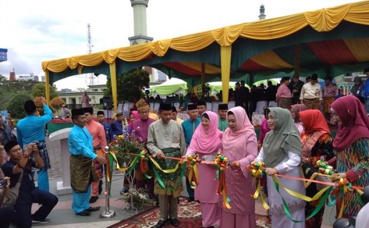 Pembukaan-bazar-MTQ-Riau-2018.jpg