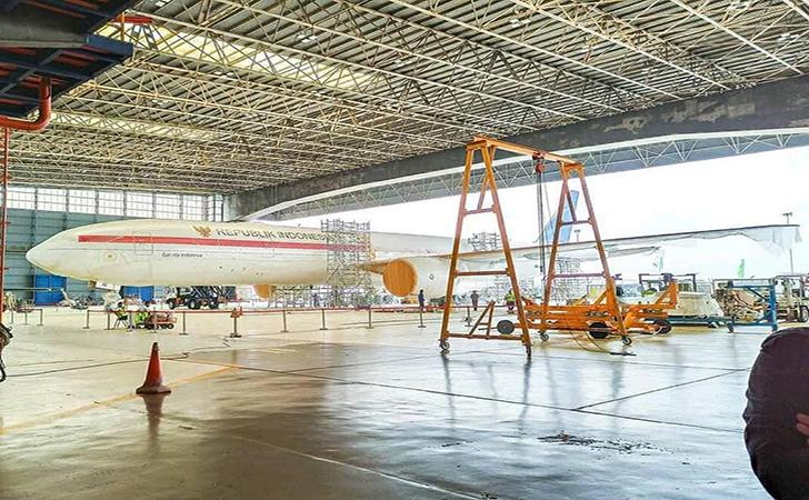 Penampak-pesawat-Boeing-777-diduga-sebagai-pesawat-kepresiden-yang-baru.jpg