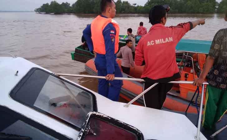 Pencarian-ABK-yang-Jatuh-ke-Sungai-Indragiri.jpg