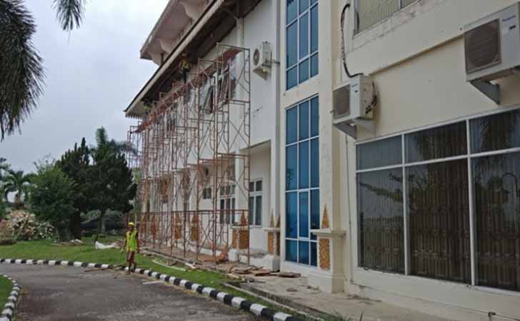 Pengerjaan-proyek-rehab-gedung-DPRD-Pelalawan.jpg