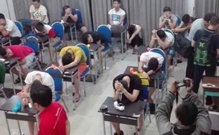 Penggerebekan-Warga-China.jpg