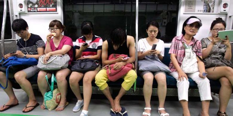 Pengguna-Smartphone.jpg