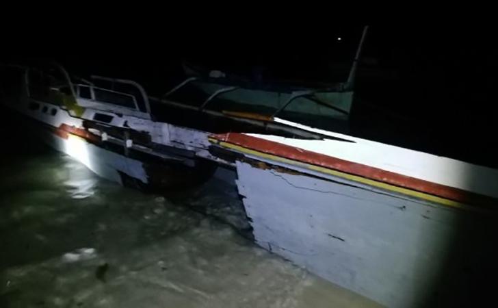 Perahu-Ramadan-mengalami-kerusakan-setelah-dikenai-bom-ikan.jpg