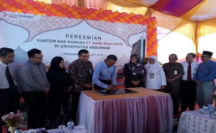 Peresmian-Kantor-Kas-Syariah-Bank-Riau-Kepri.jpg
