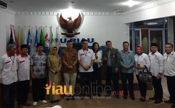 Perindo-mendaftar-di-KPU-Riau.jpg