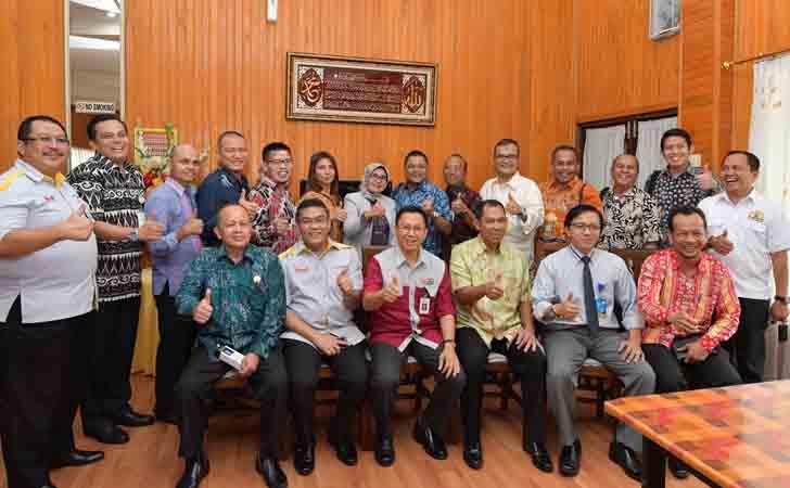 Pertemuan-Kadin-OJK-Riau.jpg