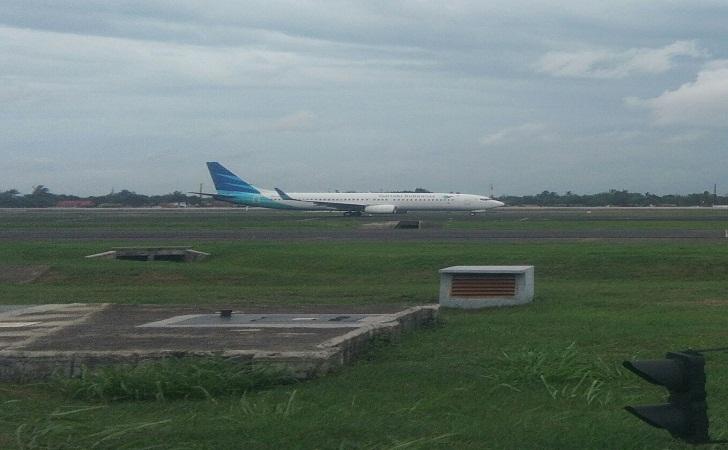 Pesawat-Garudan-Indonesia-Antre.jpg