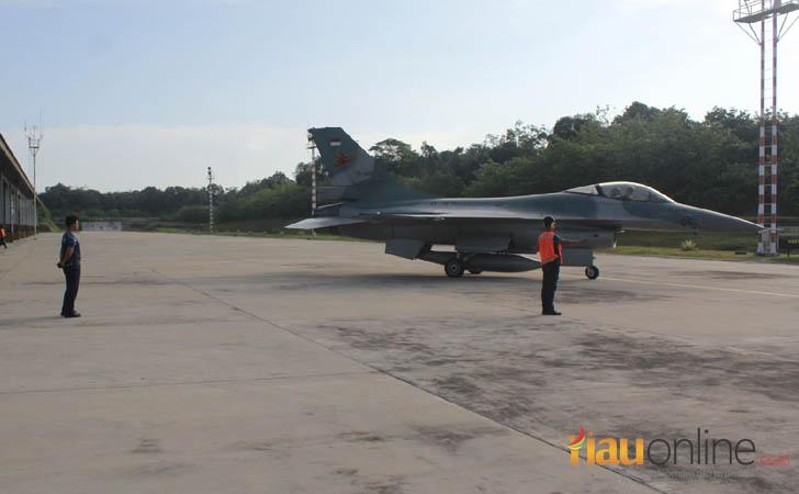 Pesawat-Tempur-F16.jpg