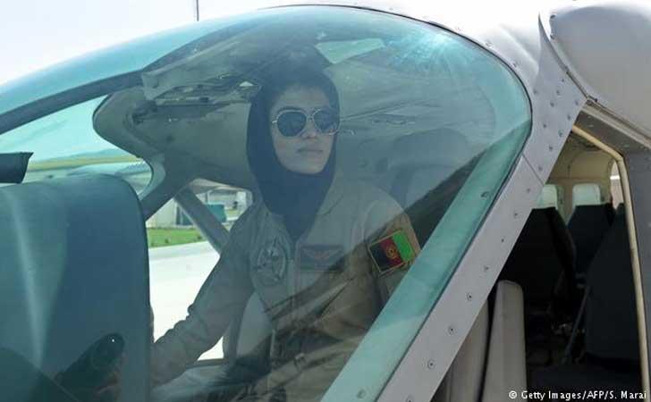 Pilot-Perempuan-Pertama-Afghanistan.jpg
