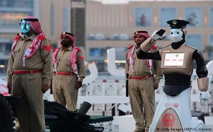 Polisi-Robocop-di-Dubai.jpg