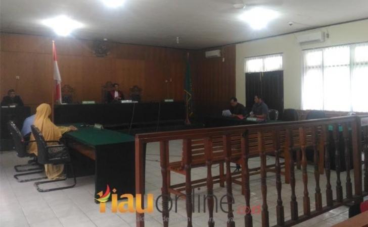 Praperadilan-Kasubag-Keuangan-Bapenda-Riau-Ditolak.jpg