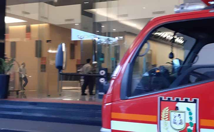 Premiere-Hotel-Terbakar.jpg