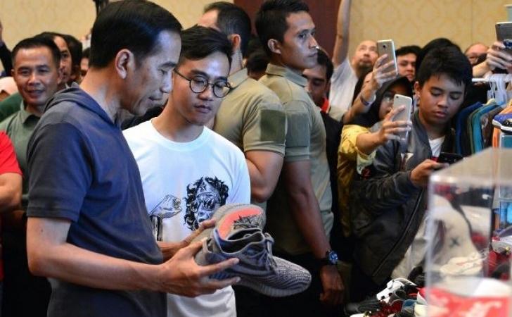 Presiden-dan-Gibran-ke-pameran-sepatu.jpg