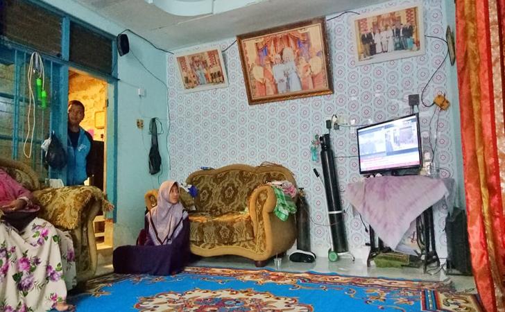 Putri-Wahyuni-Effendi2.jpg