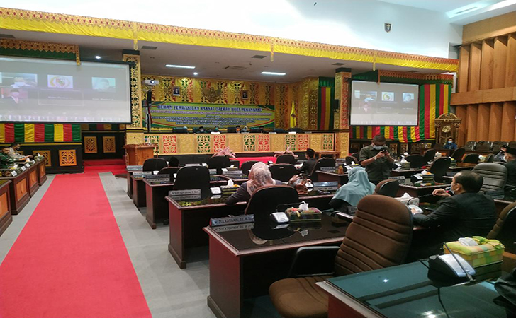 Rapat-Paripurna-DPRD-Pekanbaru2.jpg