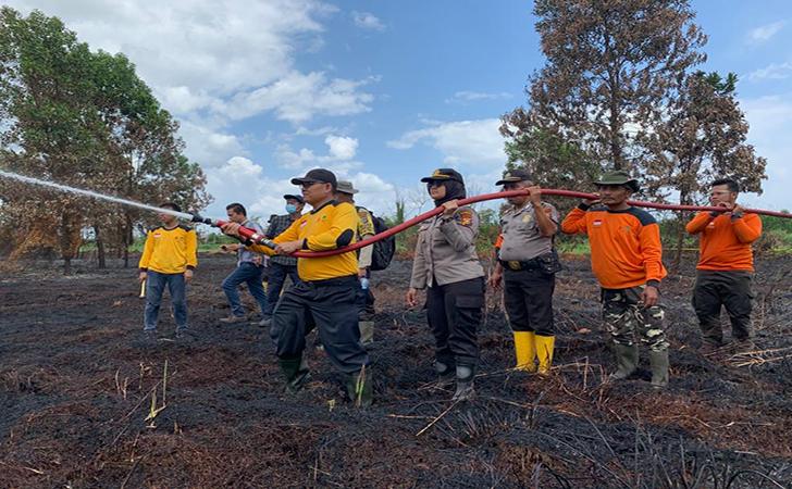 Relawan-Pemadam-Kebakaran-Hutan-dan-Lahan-Universitas-Lancang-Kuning-Unilak.jpg