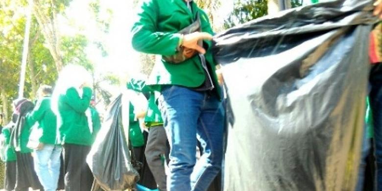 Relawan-Pungut-Sampah.jpg