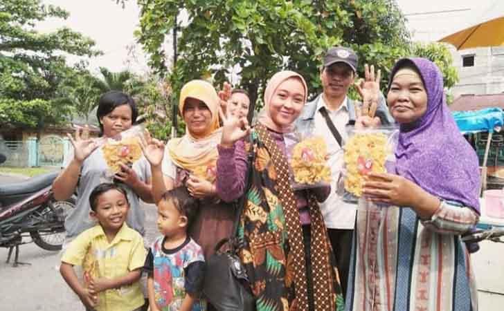 Rempeyek-Novita-Nusantara.jpg