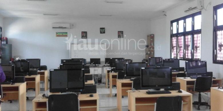 Ruangan-Ujian-Berbasis-Komputer.jpg