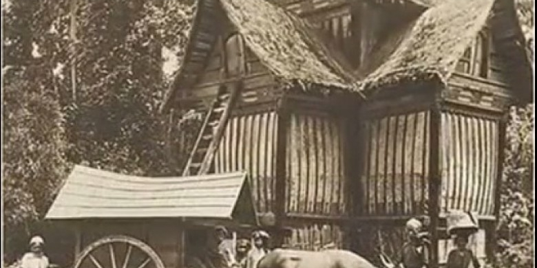 Rumah-Adat-Minangkabau-Zaman-Dulu.jpg