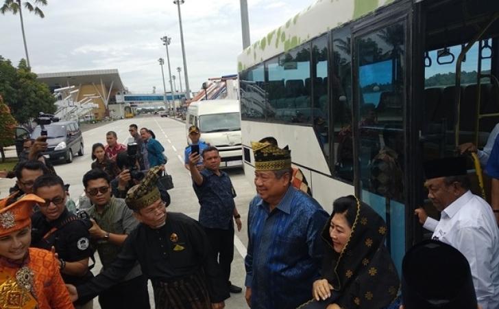 SBY-tiba-di-Pekanbaru.jpg