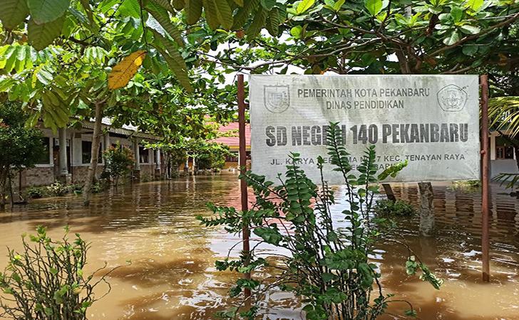 SDN-140-Pekanbaru-banjir.jpg