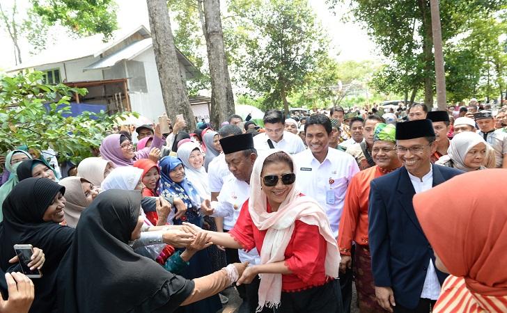 Sambutan-Meriah-Menteri-Susi-Pudjiastuti.jpg