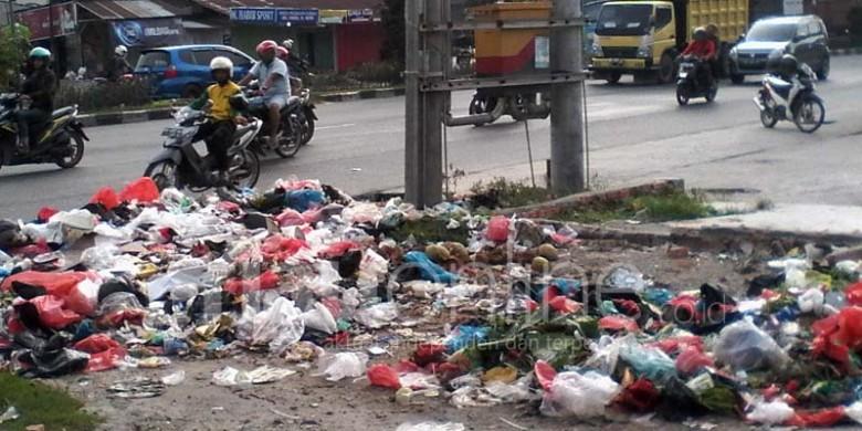 Sampah-di-Kota-Pekanbaru.jpg