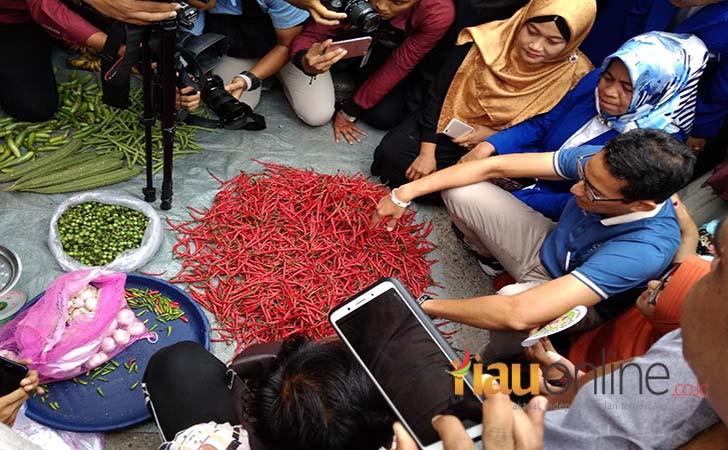 Sandiaga-Uno-di-Pasar-Pekanbaru.jpg