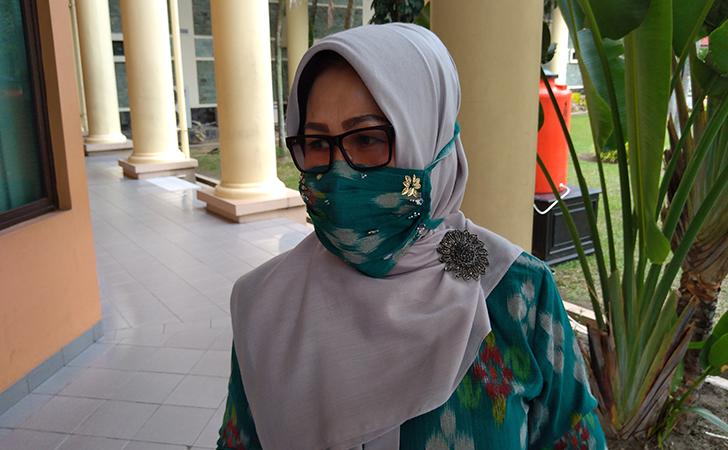 Sekretaris-Komisi-III-DPRD-Riau-Eva-Yuliana.jpg