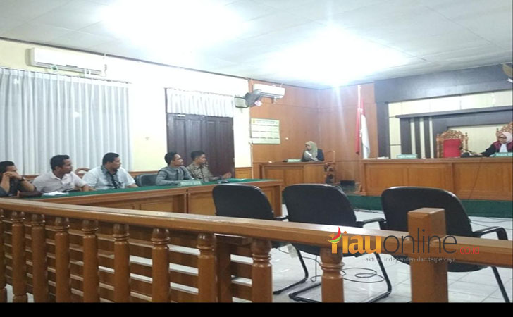 Sidang-Praperadilan-Polda-Riau.jpg