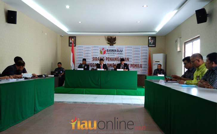 Sidang-perdana-KPU-Pekanbaru.jpg