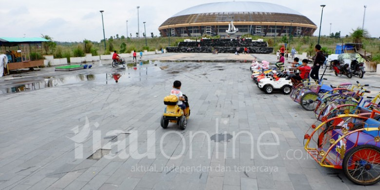 Stadion-Utama-PON-Riau.jpg
