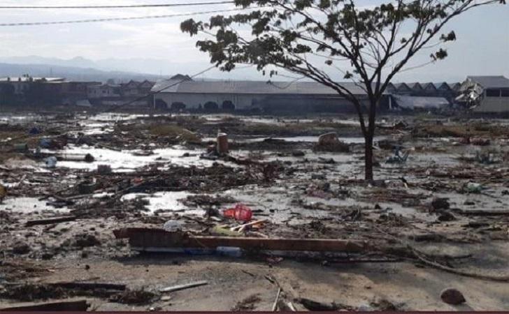 Suasana-pemukiman-yang-rusak-akibat-gempa.jpg