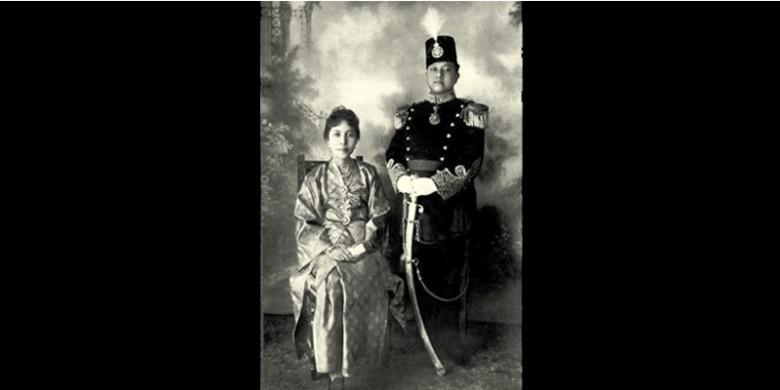 Sultan-Syarif-Kasim-II-dan-Istri.jpg