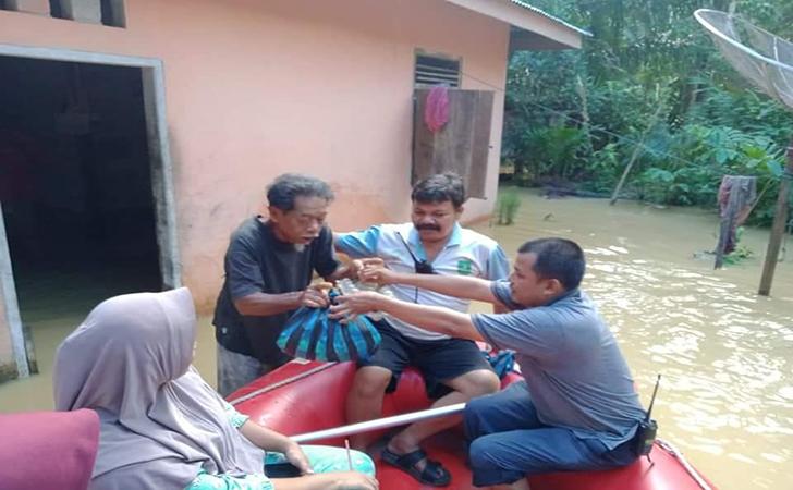 Sungai-Batang-Potai-meluap4.jpg